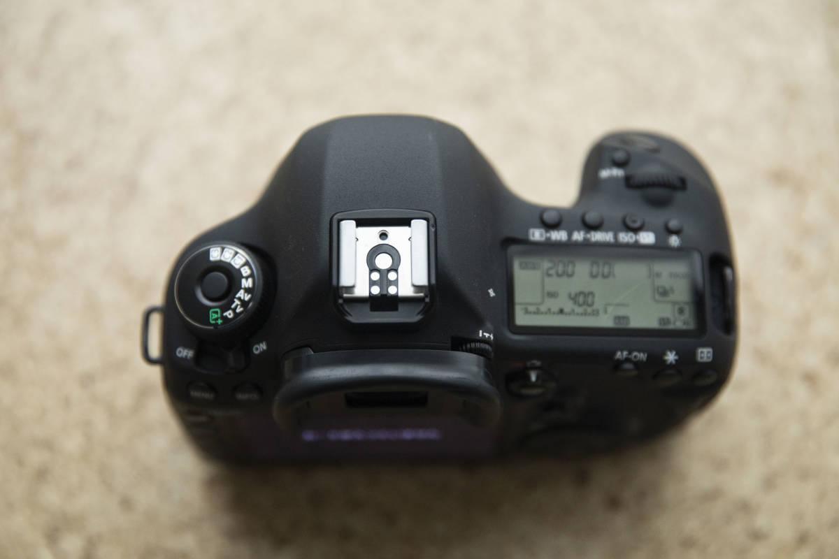 ★★★ Canon EOS 5D mark III マーク 3 中古 バッテリー 5個付き ★★★_画像2