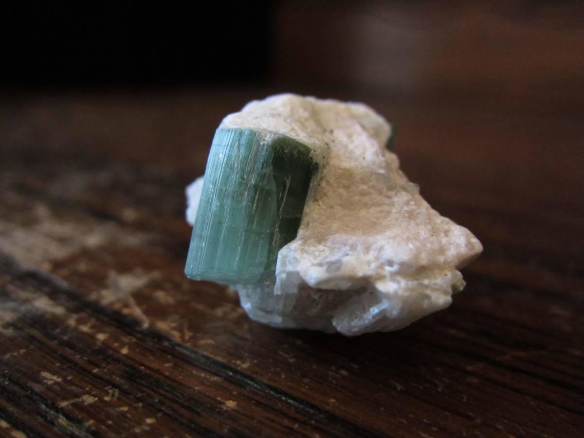 外国産鉱物標本 素敵な色のトルマリン(tourmaline) パキスタン スカルドゥ(Skardu)産_画像2