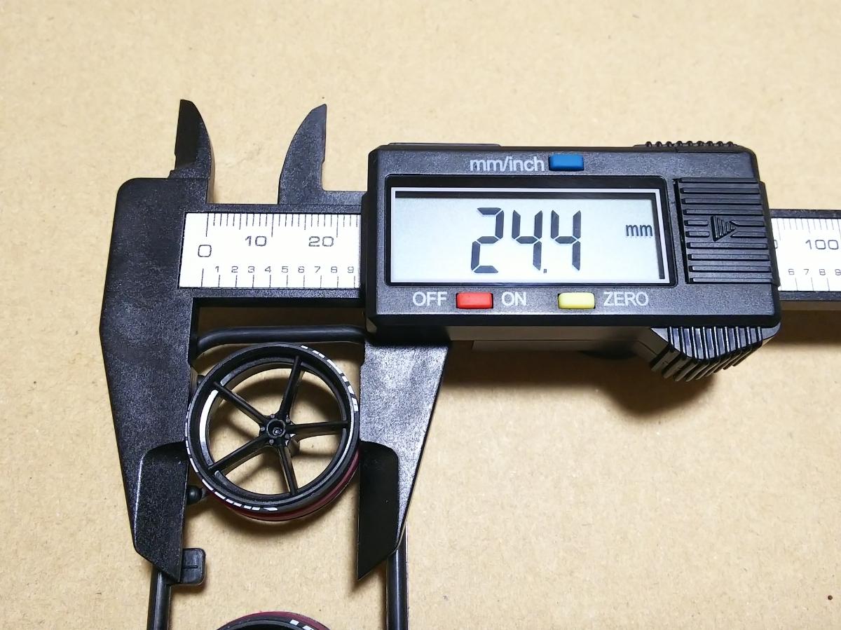 ミニ四駆 ペラハーフタイヤ ローフリクション+スーパーハードダミー(白プリント) 大径ナローサイズ 5本スポーク強化ホイール付き_画像5
