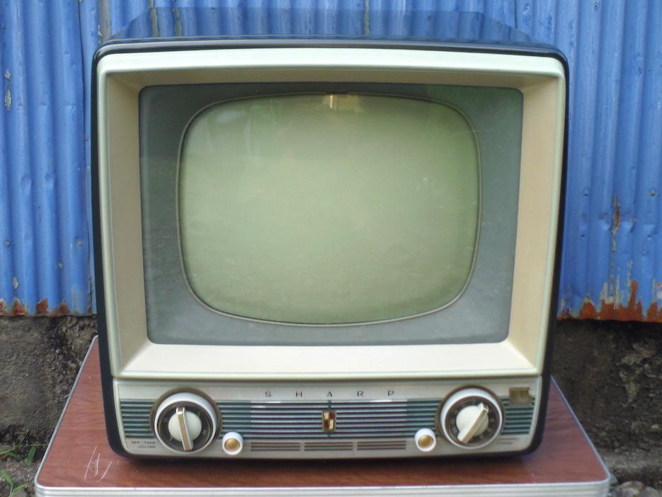 ■即決■SHARP シャープ 真空管テレビ TV-610型 早川電機 昭和レトロ アンティーク ジャンク