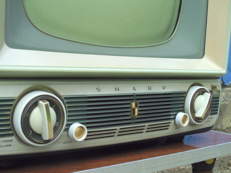■即決■SHARP シャープ 真空管テレビ TV-610型 早川電機 昭和レトロ アンティーク ジャンク_画像4