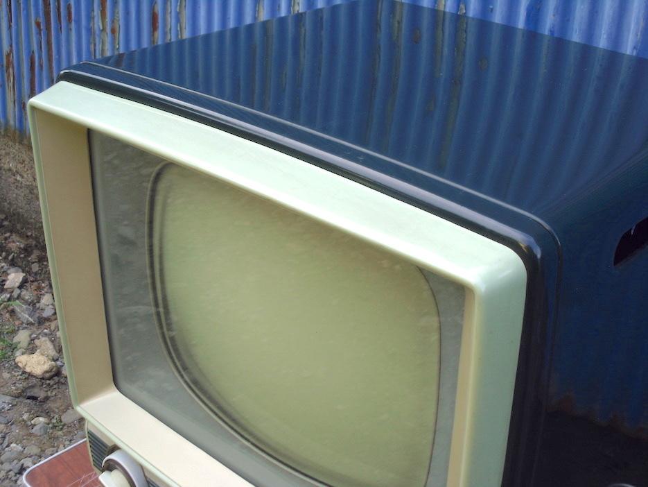 ■即決■SHARP シャープ 真空管テレビ TV-610型 早川電機 昭和レトロ アンティーク ジャンク_画像5