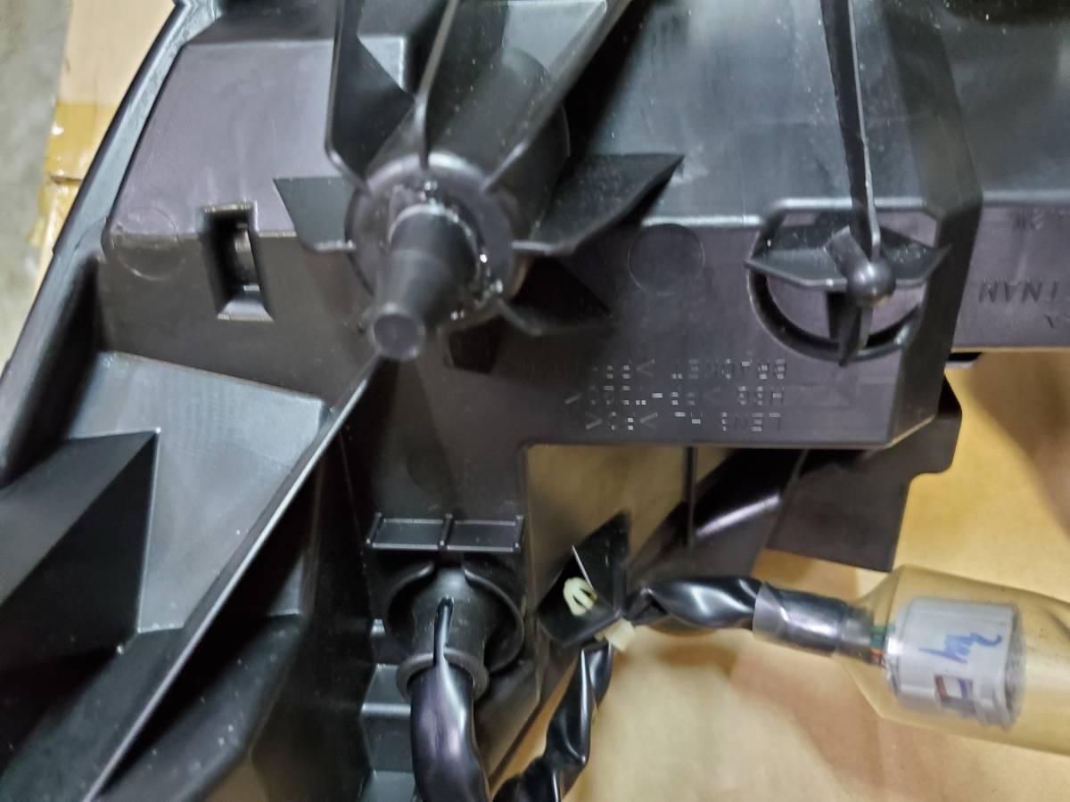 ホンダ PCX 125 JF56 純正 へッドライト ASSY_画像3