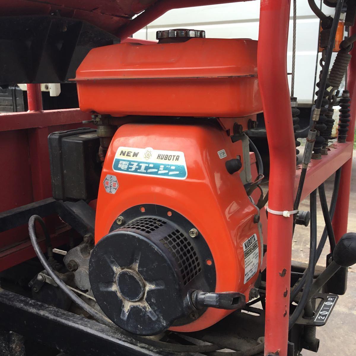 サンワ車輌 ミニクロ M1000 運搬車 最大積載量400キロ クボタガソリンエンジン 動作確認済み クローラ難有り 格安_画像5
