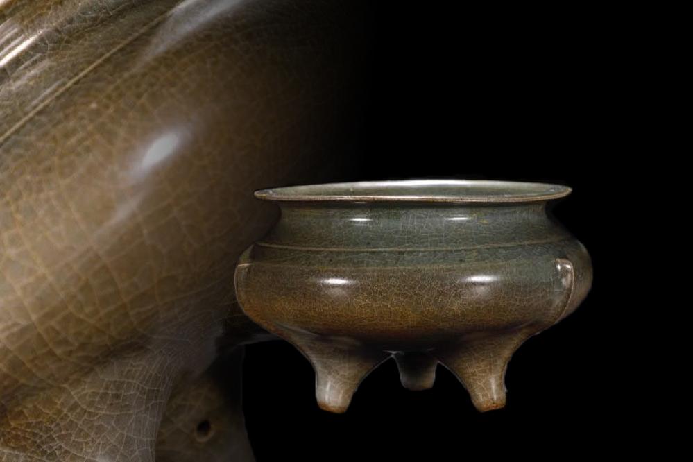 中国古美術 唐物 古陶磁器 宋 官窯 三足炉 景德瓷器 置物 擺件 旧蔵