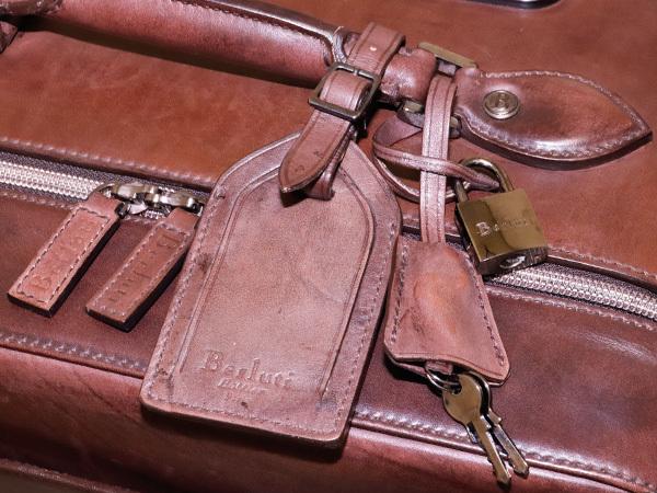極上品 ベルルッティ 絶盤 ヴェネチアレザー FORMULA 1000 鍵付きキャリーバッグ 旅行鞄 トロリーケース トラベルバッグ Berluti 本物 正規_画像6