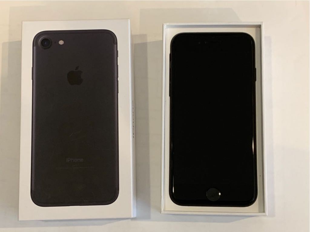 iPhone 7 ブラック 128GB 送料無料 Docomo 付属品全てあり_画像2