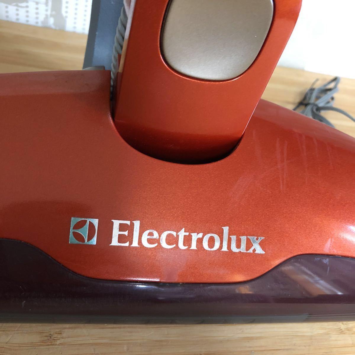 1円スタート!【動作確認済】Electrolux エレクトロラックス エルゴラピード CT 180Ll コードレスクリーナー 掃除機 ハンディー スティック_画像2
