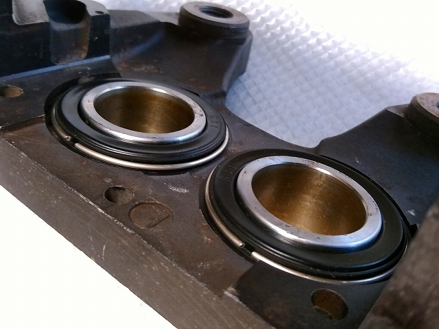ER34 4pot キャリパー 流用 S15 S14 S13 シルビア ECR33 R33 R32 BNR32 GTR GT-R Z32 スカイライン R34 GT-T GT-V フロント ブレーキ 純正_画像7