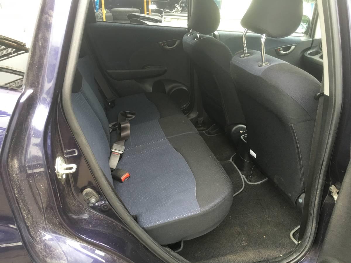 4WD 低燃費車 フィット L 4WD 車検有効期限令和2年3月 すぐに乗れます 人気の低燃費車4WD 人気色 大特価_画像7