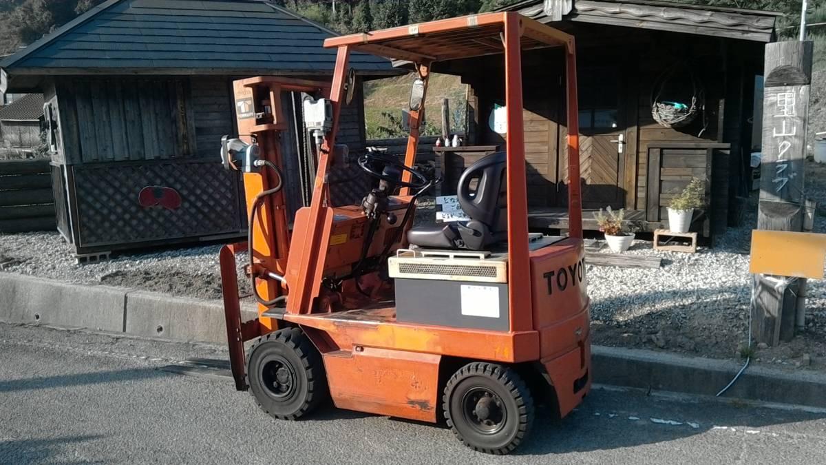 「トヨタフォークリフト1.5トン フル受電可能 まだじゅぶん作動可能 配達の手配可能」の画像2