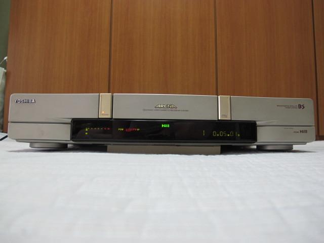東芝 Hi8ビデオデッキ E-800BS ジャンク / リモコン RM-F26 動作品