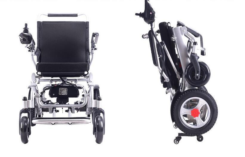 超美品 電動車椅子 老人 介助車椅子 リチウム電池 折り畳み可能 旅行 アルミニウム合金 ブラシなしモーター 折り畳み 家庭用 8107_画像3