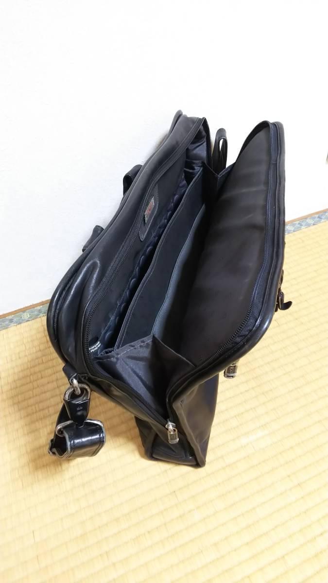 TUMI ビジネスショルダーバッグ 黒レザー(型番96111D4)_画像9