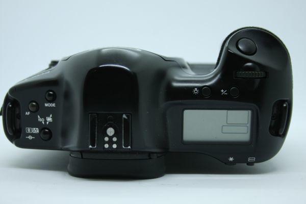 Y0019 Canon EOS-1N ボディ ブラック 訳あり キヤノン★送料無料 ★外観美品 ★訳あり品 ★値下げ交渉OK!_画像3