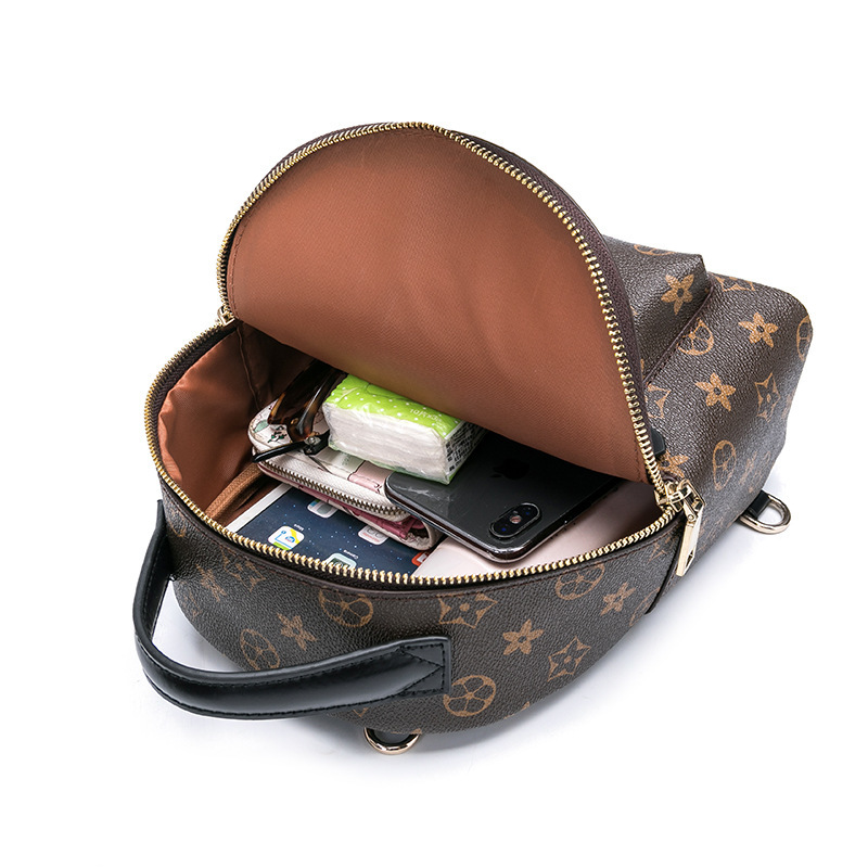 極上品 【超高級定価37万円】通勤バッグ 大容量 100%高品質 リュックサック、デイパック ビジネスバック 大量入れ d-66 _画像2