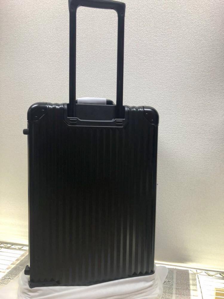 新品未使用♪超希少♪AMG メルセデス ベンツ オリジナル スーツケース♪ブラック_画像2