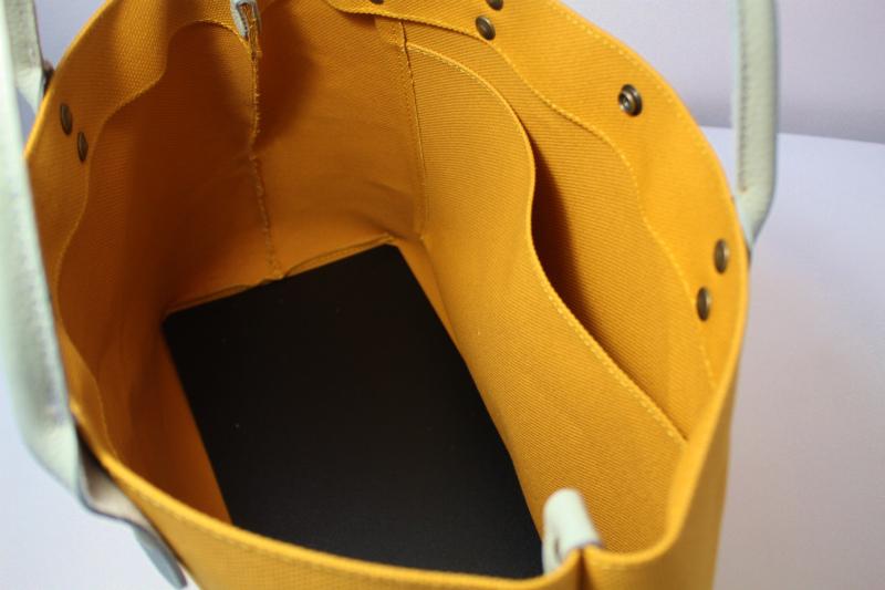 キャンバス 厚手4号帆布 トートバッグ シンプル 軽量 ハンドメイド  マスタードイエロー  レザーハンドルグレー シュリンク_画像4