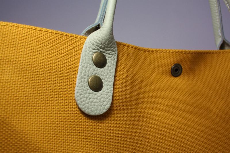 キャンバス 厚手4号帆布 トートバッグ シンプル 軽量 ハンドメイド  マスタードイエロー  レザーハンドルグレー シュリンク_画像8
