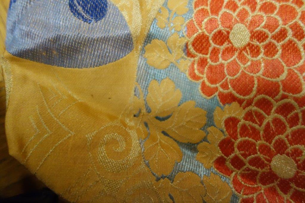 着物の生地のバッグ 刺繍 花 サブバッグ お稽古バッグ 和装バッグ 手提げトートバッグ 和洋兼用 レトロ_画像2