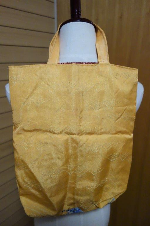 着物の生地のバッグ 刺繍 花 サブバッグ お稽古バッグ 和装バッグ 手提げトートバッグ 和洋兼用 レトロ_画像5