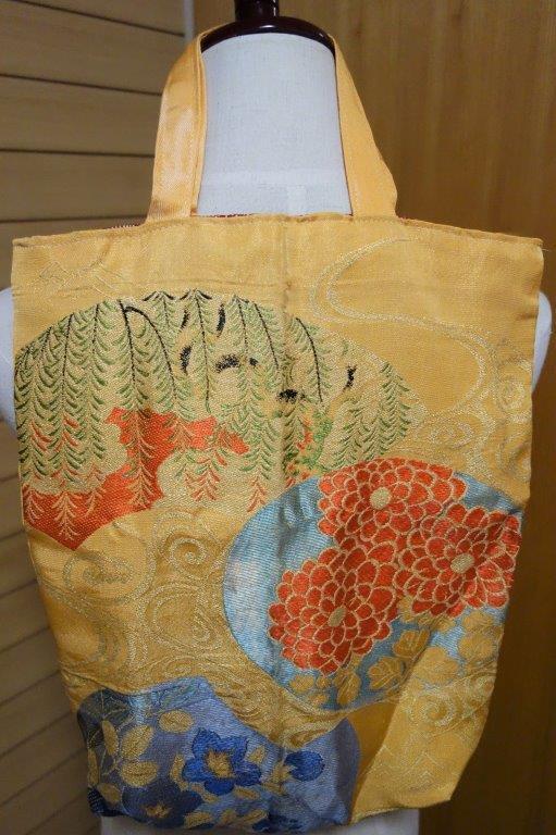 着物の生地のバッグ 刺繍 花 サブバッグ お稽古バッグ 和装バッグ 手提げトートバッグ 和洋兼用 レトロ_画像8