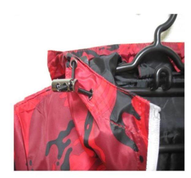 新品 送料無料 L レッド 迷彩柄 マウンテンパーカー トレーニングウェア カモフラージュ 薄手 軽量 防風 アウトドア レジャー ハイキング_画像6