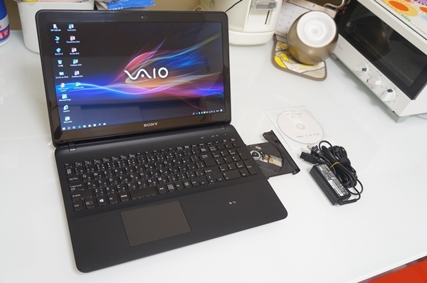 VAIO Fit 15E SVF153B18N Windows10 Pro 8GB 新品 SSD240GB DVDマルチ 15.5 型ワイド Office 2016 Professional Plus 美品・送料込み