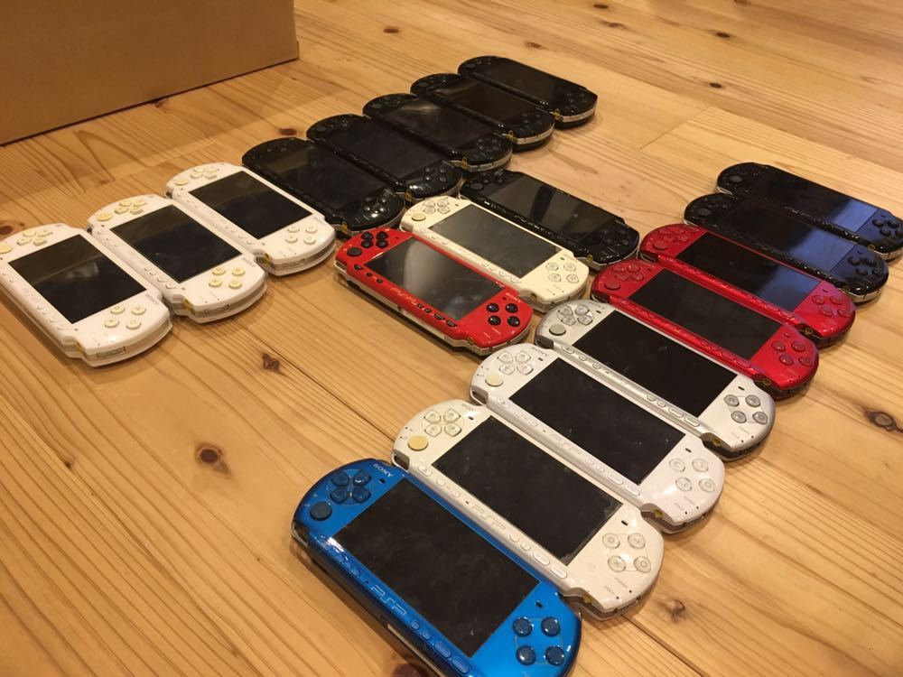 19台 色々 稼働品 ジャンク品 改造品 等 動作未確認品 PSP 大量 まとめ売り 部品取り 1000 2000 3000 プレイステーションポータブル 本体 _画像3
