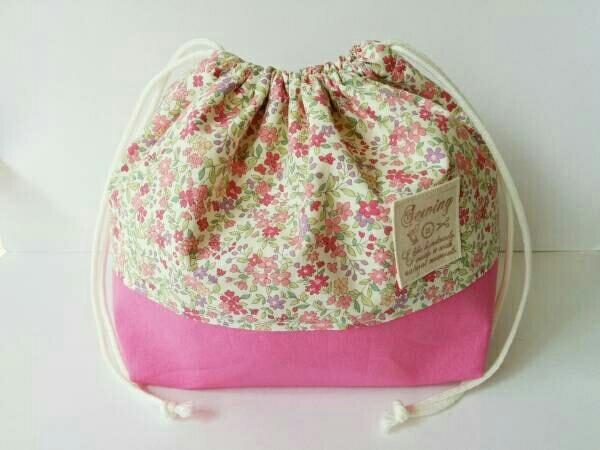 即決♪人気 小花柄 ピンク お弁当袋 ランチバッグ 巾着袋*ハンドメイド*女の子 入園入学準備_画像1