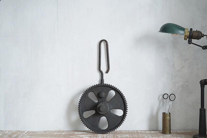【古い鉄の歯車・大型 ビンテージ 古道具 オブジェ】アンティーク ブロカント 工業系 インダストリアル インテリア レトロ シャビー DIYに_画像10