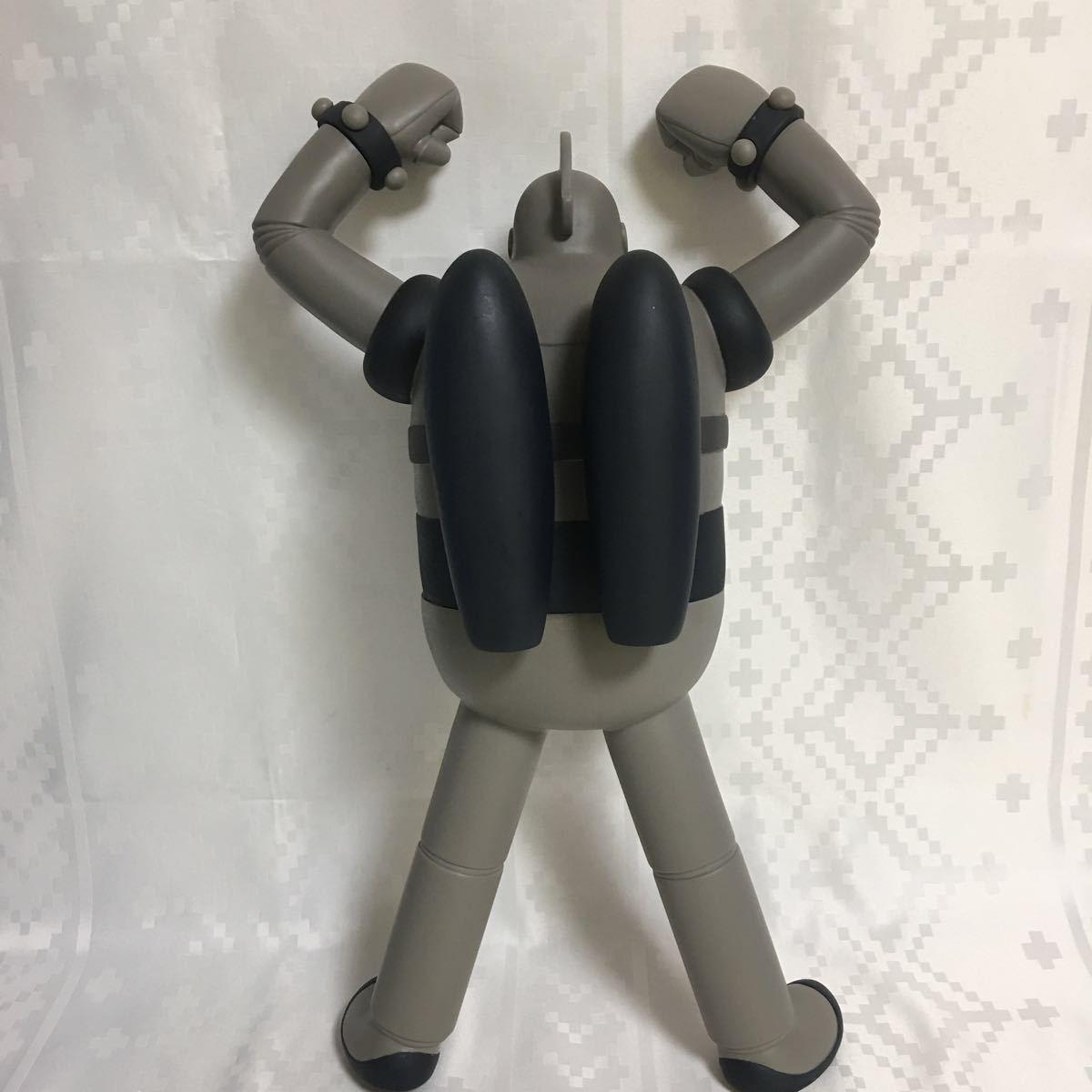 タカラ : エイケン作画用モデル レプリカ メガスケール 鉄人28号 トイザらス限定 モノクロ オリジナル版! _画像5