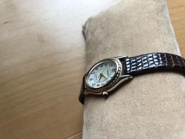 KK54 本体良品 レア CITIZEN/シチズン EXCEED エクシード シェル文字盤 コンビカラー クオーツ レディース 腕時計_画像2