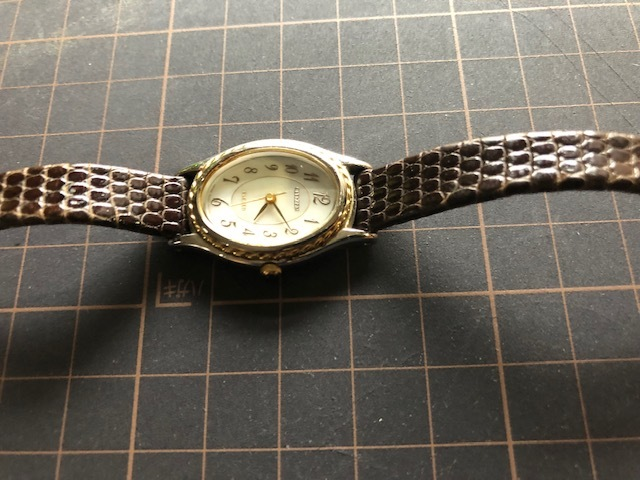 KK54 本体良品 レア CITIZEN/シチズン EXCEED エクシード シェル文字盤 コンビカラー クオーツ レディース 腕時計_画像5