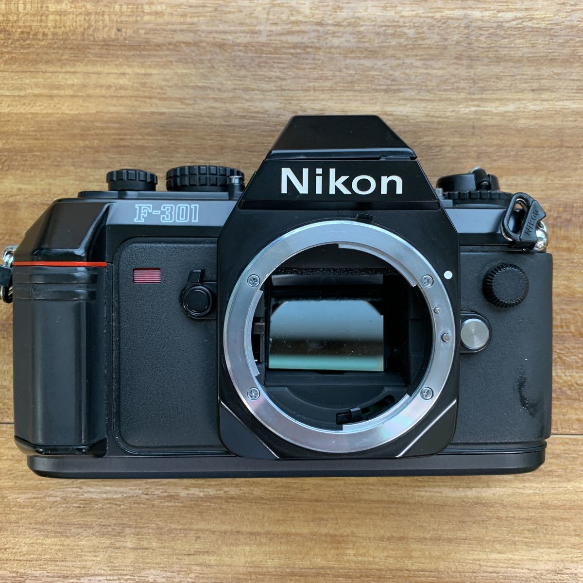 返品不可 ジャンク Nikon F 301 +minolta 110 zoom markⅡ 動作未確認 #j492_画像2