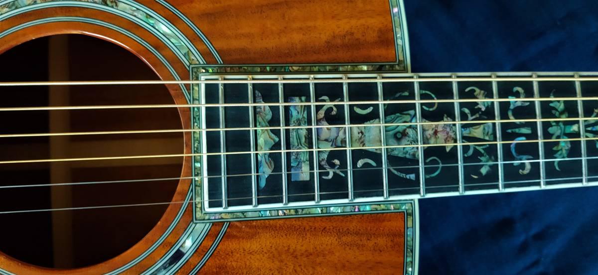 送料無料!豪華絢爛、希少品!色目、杢目の素晴らしい表裏総単板コア材の装飾フォークギターです!_画像5