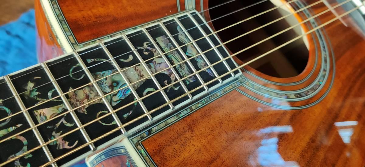 送料無料!豪華絢爛、希少品!色目、杢目の素晴らしい表裏総単板コア材の装飾フォークギターです!_画像9