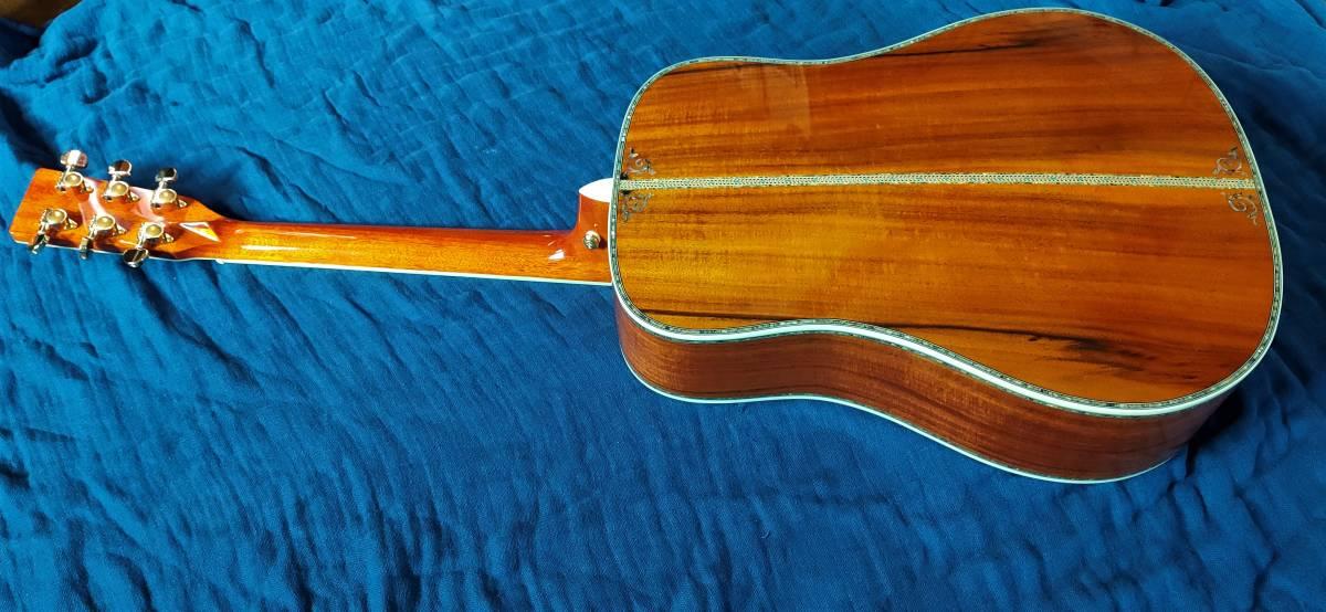 送料無料!豪華絢爛、希少品!色目、杢目の素晴らしい表裏総単板コア材の装飾フォークギターです!_画像6