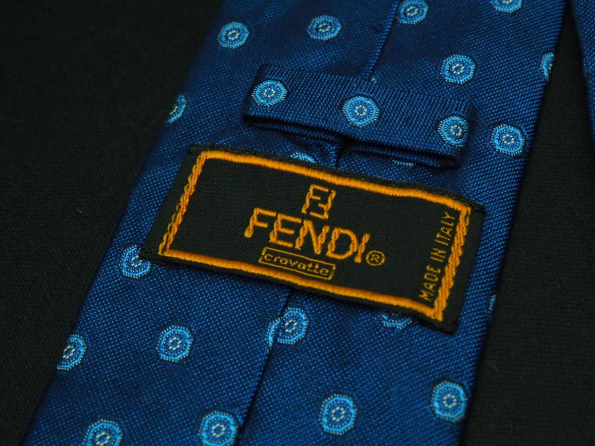 美品 FENDI フェンディ ITALY イタリア製 【ネイビー ブルー シンプル】ネクタイ USED オールド ブランド シルク_画像4