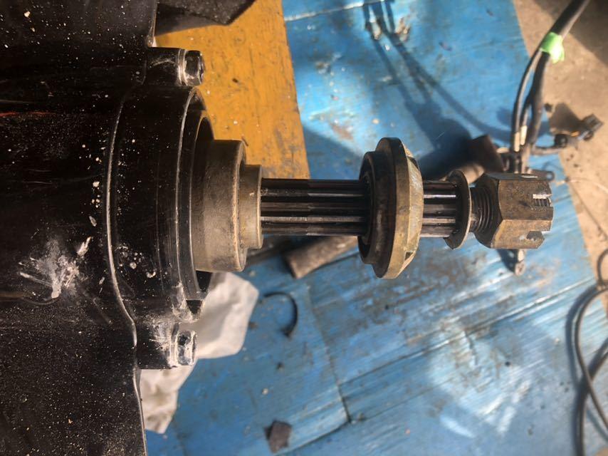 スズキDF40.50Tモデル、DF40.50.60Aモデルに取り付け可能 ロワーユニットASSY 中古品 トランサム Lタイプ_画像3
