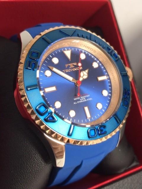 新品 TECHNOS テクノス 正規品 クロノグラフ 腕時計 ブルー×ピンクゴールド ダイバーズモデル 10気圧防水 保証書 専用箱付 ラバー メンズ_画像3