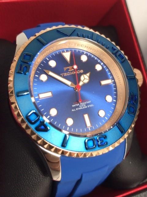 新品 TECHNOS テクノス 正規品 クロノグラフ 腕時計 ブルー×ピンクゴールド ダイバーズモデル 10気圧防水 保証書 専用箱付 ラバー メンズ_画像2
