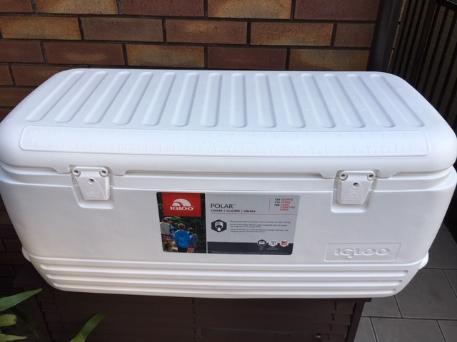 IGLOO 高保冷タイプの大型クーラーボックス ポーラー120QT!新品未使用!釣りの定番・人気機種!_画像2