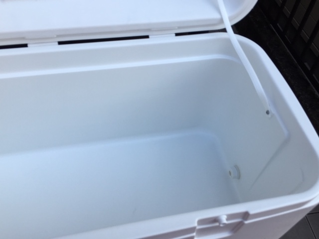 IGLOO 高保冷タイプの大型クーラーボックス ポーラー120QT!新品未使用!釣りの定番・人気機種!_画像5