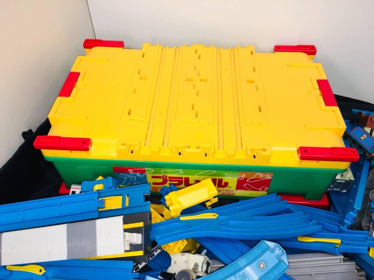 ▽ 23 プラレール☆ トミカ☆ まとめて ジャンク品 車両 レール おもちゃ 大量 トーマス 自動車 新幹線 電車 起動未チェック 160_画像7
