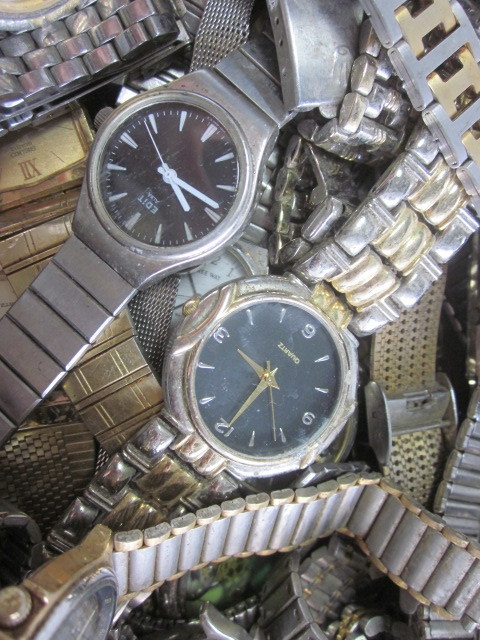 ★ジャンク クオーツ メンズ レディース 腕時計 約6.4キロ分 まとめ売り 国産&スイス製_画像8