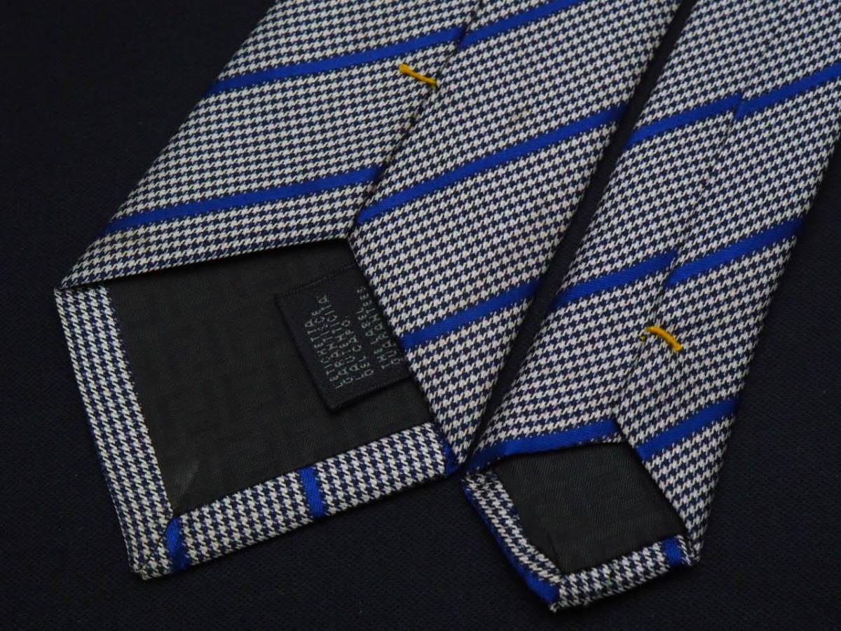 美品【FENDI】フェンディ ITALY イタリア製 ホワイト ブラック ブルー 千鳥格子 ストライプ柄 USED オールド ブランドネクタイ_画像5