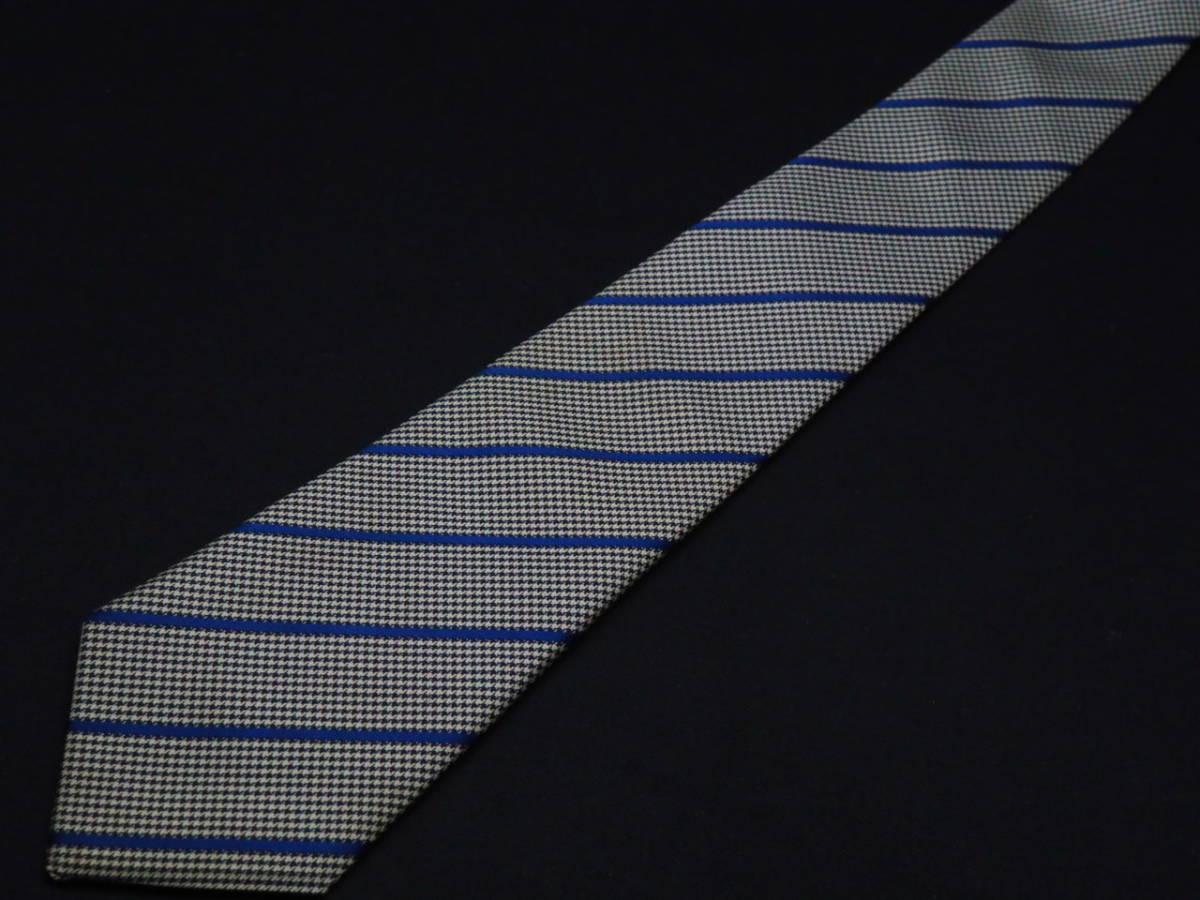 美品【FENDI】フェンディ ITALY イタリア製 ホワイト ブラック ブルー 千鳥格子 ストライプ柄 USED オールド ブランドネクタイ_画像2
