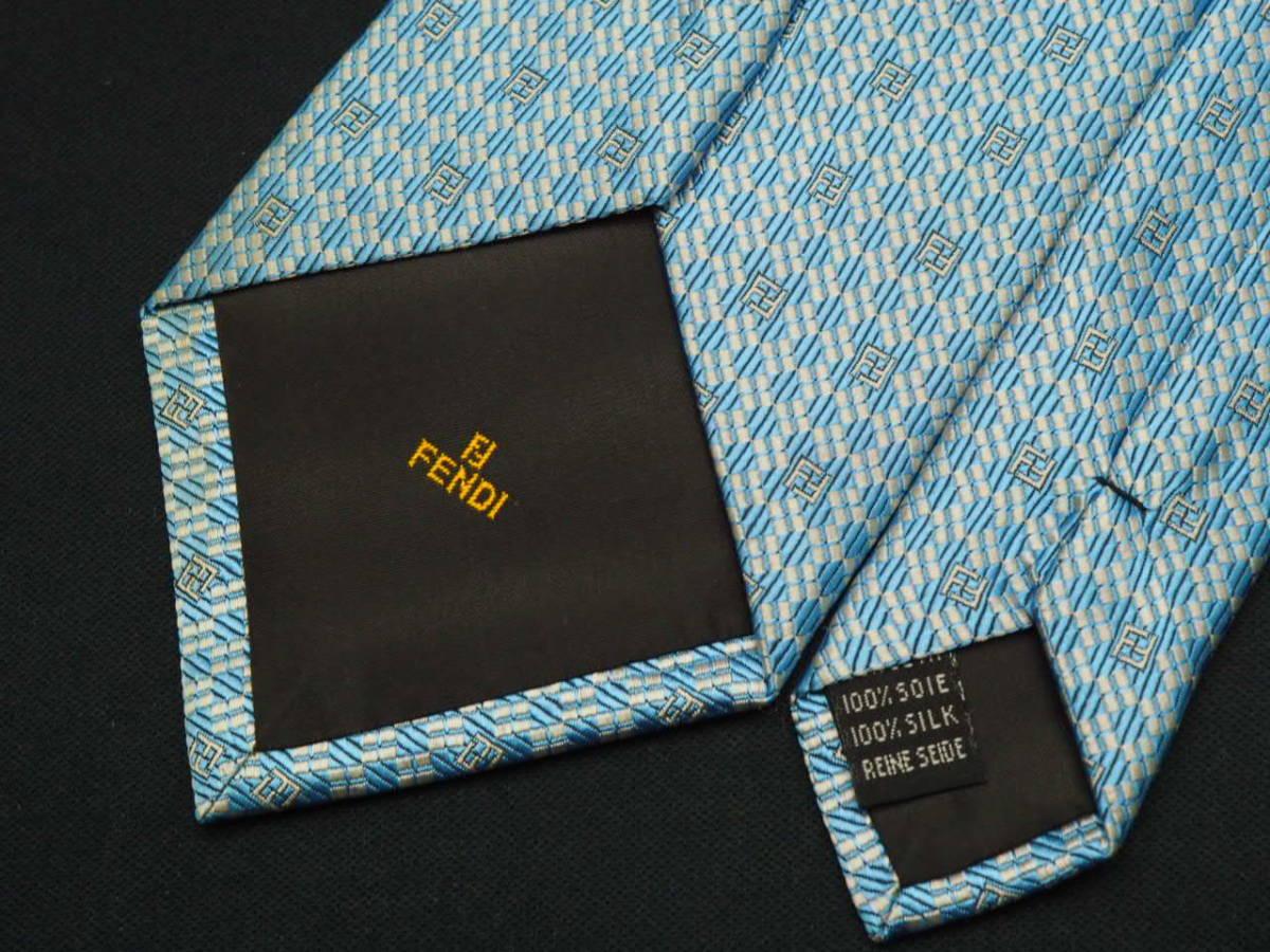 美品【FENDI】フェンディ ITALY イタリア製 アイスブルー ホワイト FFロゴ総柄 USED オールド ブランドネクタイ SILK100% シルク_画像5
