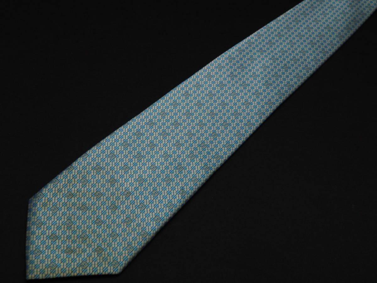 美品【FENDI】フェンディ ITALY イタリア製 アイスブルー ホワイト FFロゴ総柄 USED オールド ブランドネクタイ SILK100% シルク_画像2